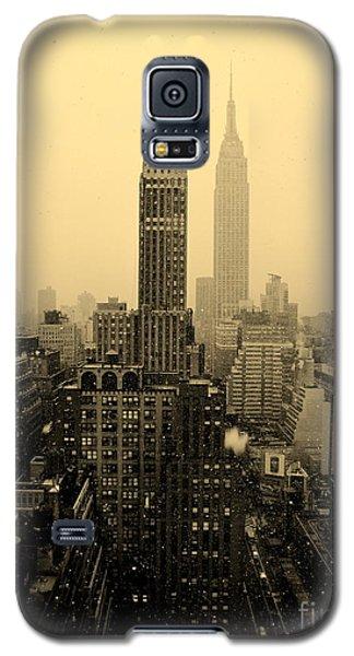 Snowy New York Skyline Galaxy S5 Case
