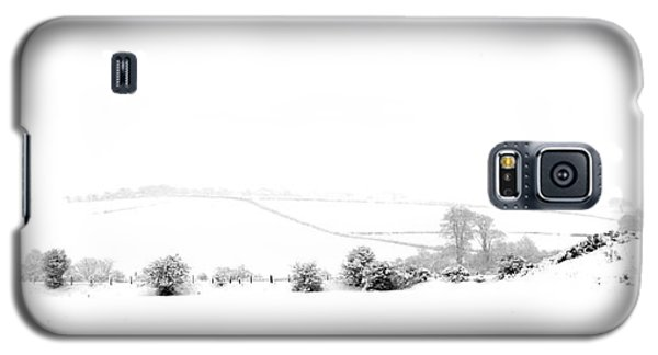 Galaxy S5 Case featuring the photograph Snowy Panorama by Liz Leyden