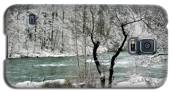 Snowy River And Bank Galaxy S5 Case by Belinda Greb