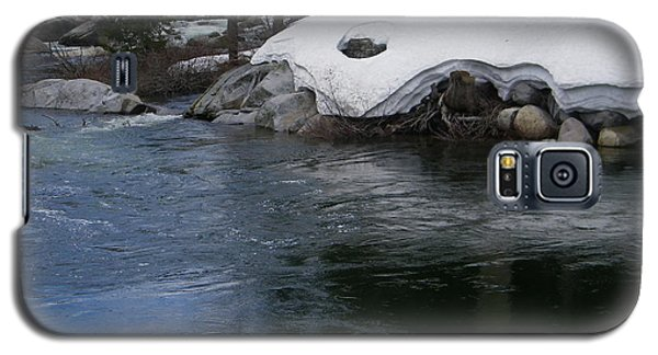 Galaxy S5 Case featuring the photograph Snowy River Bend by Bobbee Rickard