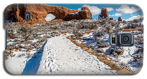 Snowy Trail To The North Window Galaxy S5 Case