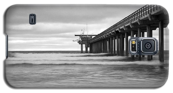 Soft Waves At Scripps Pier Galaxy S5 Case