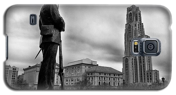 Soldiers Memorial And Cathedral Of Learning Galaxy S5 Case