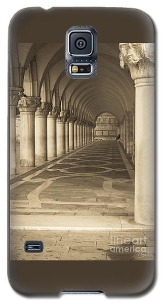 Solitude Under Palace Arches Galaxy S5 Case