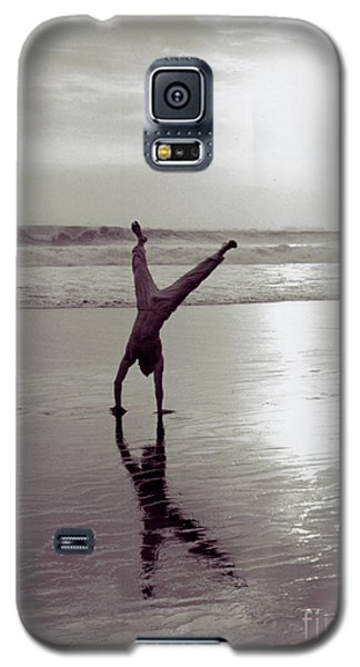 Somersalting On Bali Black Sand Beach 2 Galaxy S5 Case