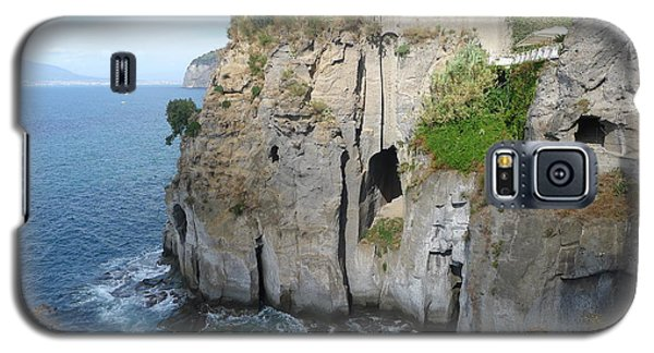 Galaxy S5 Case featuring the photograph Sorrento - Cliffside by Nora Boghossian