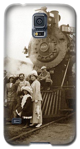 S P Baldwin Locomotive 2285  Class T-26 Ten Wheel Steam Locomotive At Pacific Grove California 1910 Galaxy S5 Case