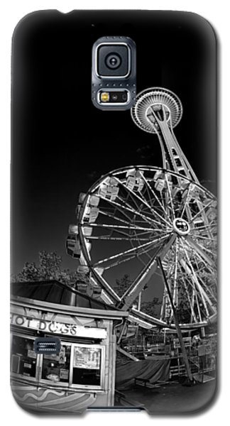 Space Needle Fights The End Of The World Galaxy S5 Case