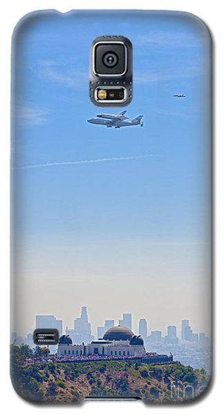 Space Shuttle Endeavour And Chase Planes Over The Griffith Observatory Galaxy S5 Case