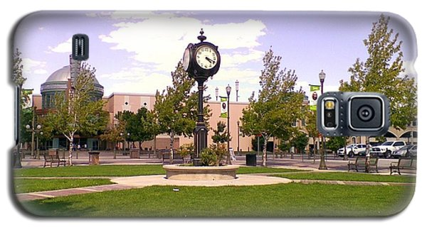 Galaxy S5 Case featuring the photograph Sparks Community Clock by Bobbee Rickard