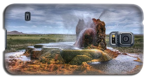 Galaxy S5 Case featuring the photograph Spewing Minerals At Fly Geyser by Peter Thoeny