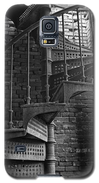 Spiral Staircase In B And W Galaxy S5 Case