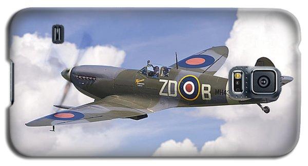 Spitfire Pass Galaxy S5 Case by Ian Merton