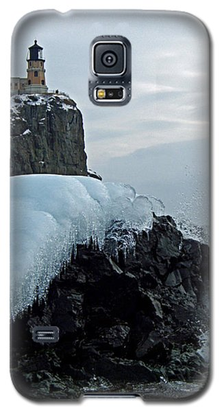 Galaxy S5 Case featuring the photograph Split Rock Lighthouse Winter by James Peterson