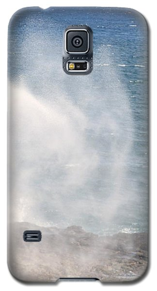 Galaxy S5 Case featuring the photograph Spouting Horn II by Alohi Fujimoto