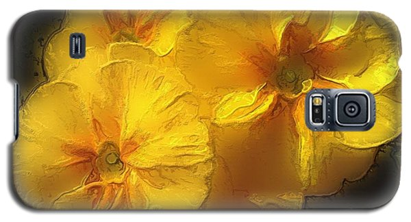 Galaxy S5 Case featuring the photograph Springflower 5 by Gabriella Weninger - David