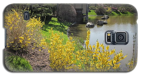 Springtime At The Japanese Gardens Galaxy S5 Case by Kathie Chicoine