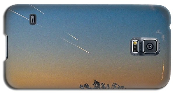 Squadron Of Jet Trails Over Ireland Galaxy S5 Case