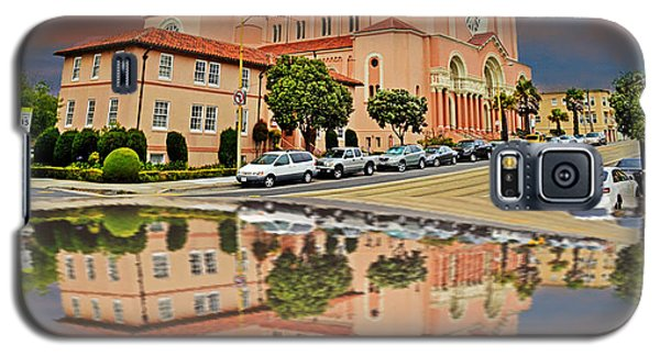 St Anne Church Of The Sunset In San Francisco With A Reflection  Galaxy S5 Case by Jim Fitzpatrick