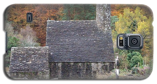 Galaxy S5 Case featuring the photograph St Kevin's Glendalough Ireland by Alan Lakin