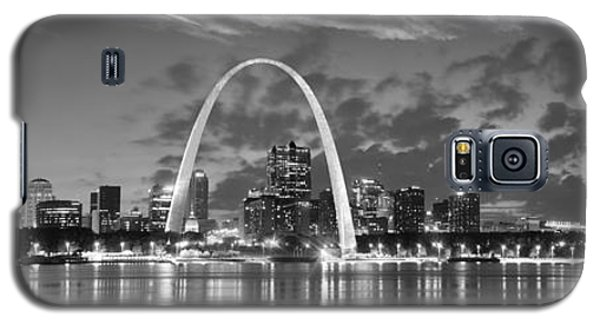 Galaxy S5 Case featuring the photograph St. Louis Skyline At Dusk Gateway Arch Black And White Bw Panorama Missouri by Jon Holiday
