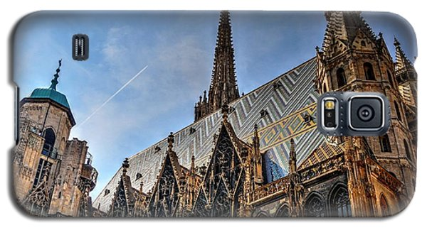 Galaxy S5 Case featuring the photograph St. Stephen's Cathedral by Joe  Ng