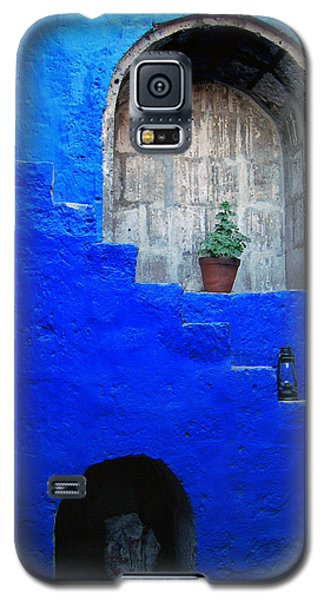 Staircase In Blue Courtyard Galaxy S5 Case