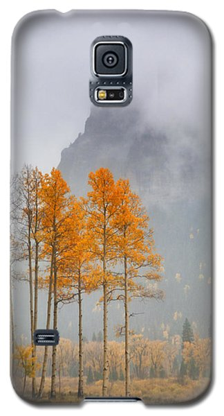 Standing In The Rain Galaxy S5 Case