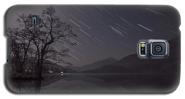 Star Trails Over Lake Galaxy S5 Case