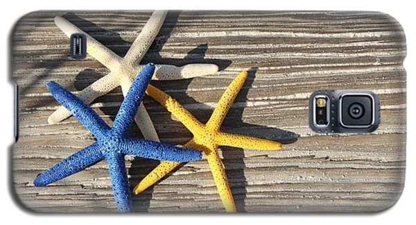Galaxy S5 Case featuring the photograph Starfish by Elizabeth Budd