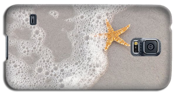 Starfish In The Surf Galaxy S5 Case