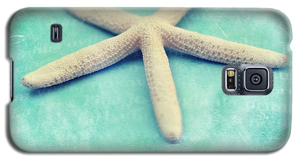 Galaxy S5 Case featuring the photograph Starfish by Sylvia Cook