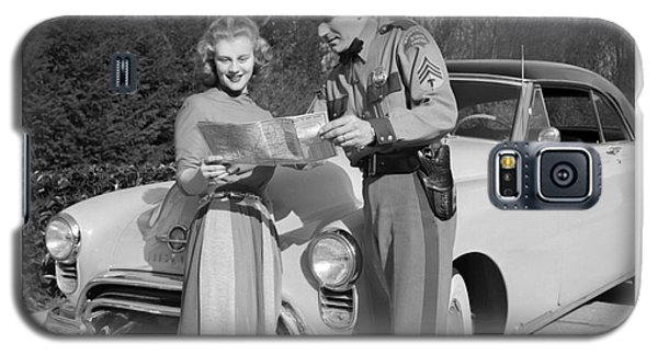 State Patrolman Assists Young Woman Traveler 1951 Galaxy S5 Case