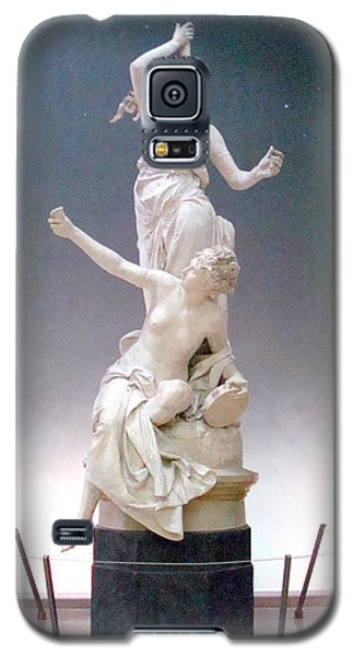 Galaxy S5 Case featuring the photograph Statue In Paris by Kay Gilley
