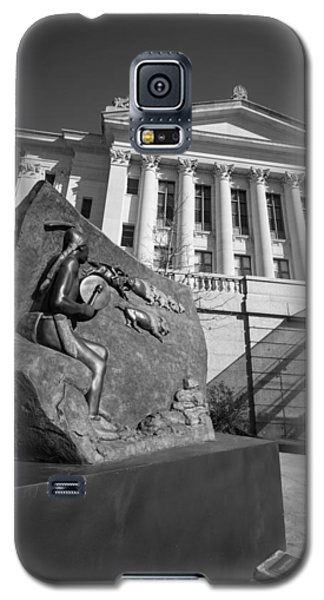 Statue Near The Capital Galaxy S5 Case