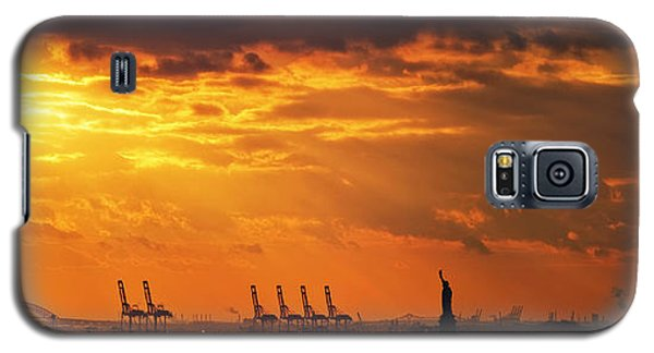 Statue Of Liberty At Sunset. Galaxy S5 Case