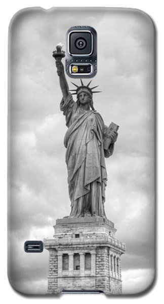 Statue Of Liberty Full Galaxy S5 Case by Dave Beckerman