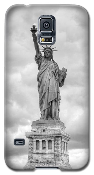 Galaxy S5 Case featuring the photograph Statue Of Liberty Full by Dave Beckerman
