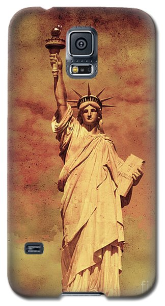 Galaxy S5 Case featuring the photograph Statue Of Liberty by Mohamed Elkhamisy