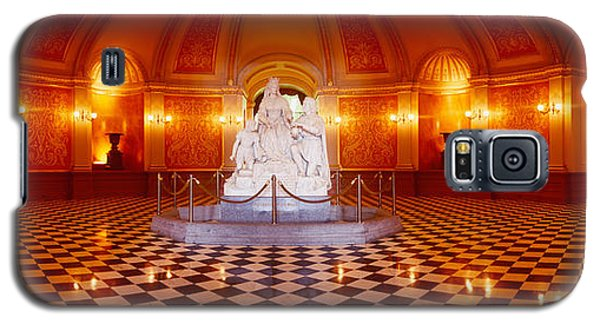 Statue Surrounded By A Railing Galaxy S5 Case by Panoramic Images