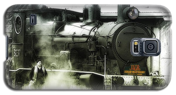 Galaxy S5 Case featuring the photograph Steam 01 by Kevin Chippindall