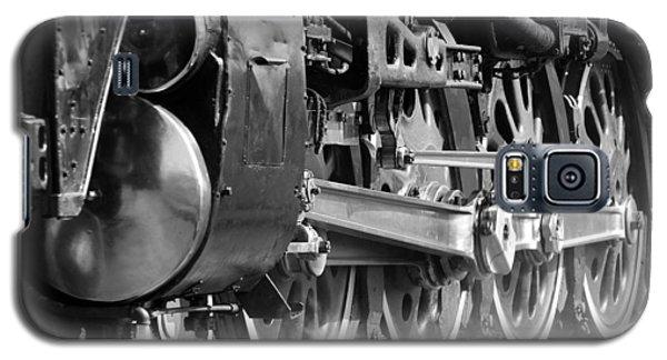 Galaxy S5 Case featuring the photograph Steam Engine 3985 by John Freidenberg