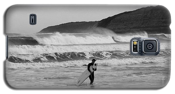 Galaxy S5 Case featuring the photograph Stoked by Amanda Holmes Tzafrir