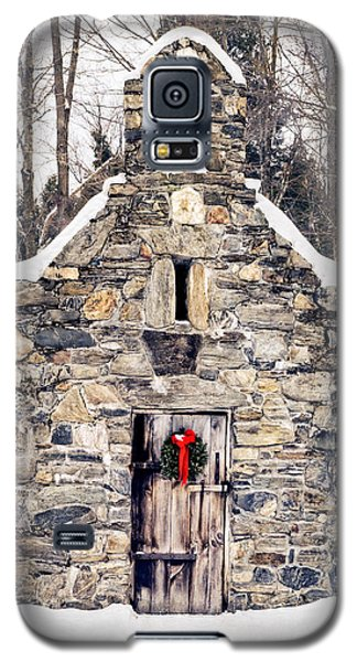 Stone Chapel In The Woods Trapp Family Lodge Stowe Vermont Galaxy S5 Case by Edward Fielding