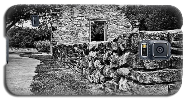 Galaxy S5 Case featuring the photograph Stone Wall At Mission Espada by Andy Crawford