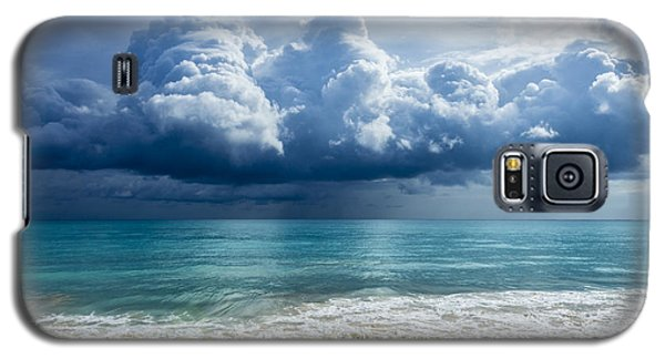 Storm Clouds At Waimanalo Galaxy S5 Case by Leigh Anne Meeks