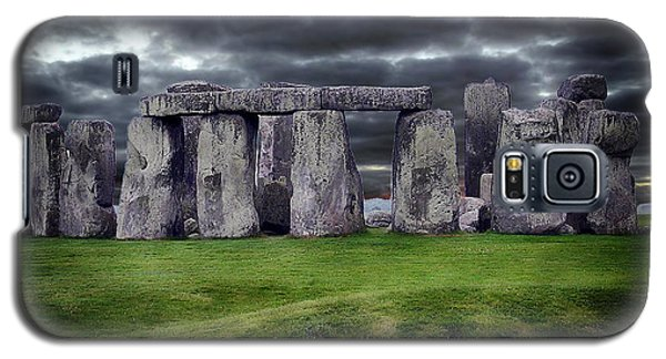 Storm Clouds Over Stonehenge Galaxy S5 Case by Anthony Dezenzio
