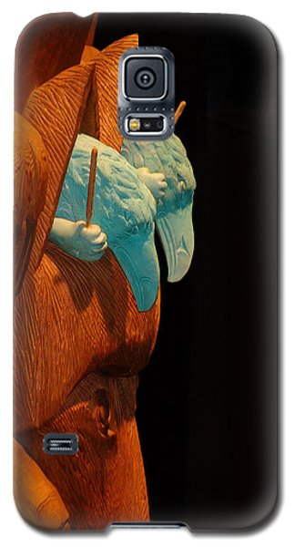 Galaxy S5 Case featuring the photograph Story Pole by Cheryl Hoyle