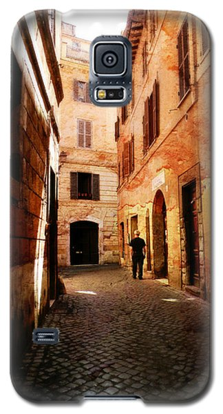 Galaxy S5 Case featuring the photograph Strade Di Ciottoli by Micki Findlay