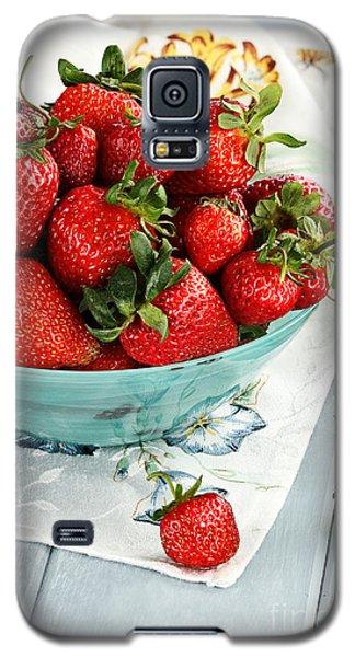Strawberries  Galaxy S5 Case by Stephanie Frey